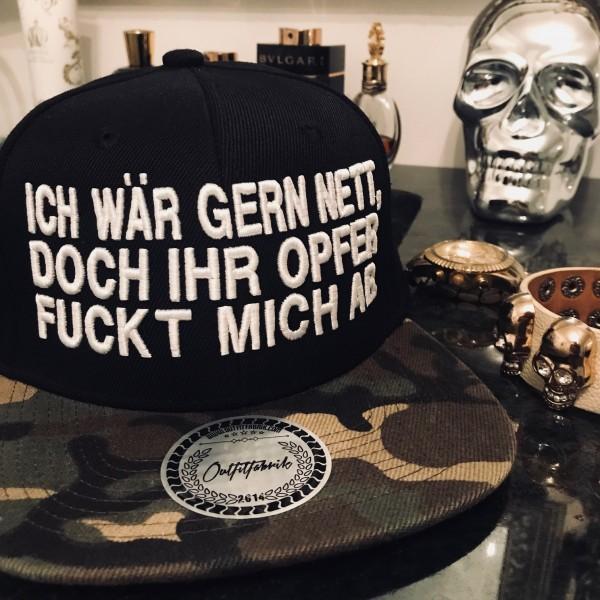 Snapback Cap ICH WÄR GERN NETT, DOCH IHR OPFER FUCKT MICH AB, schwarz/camouflage