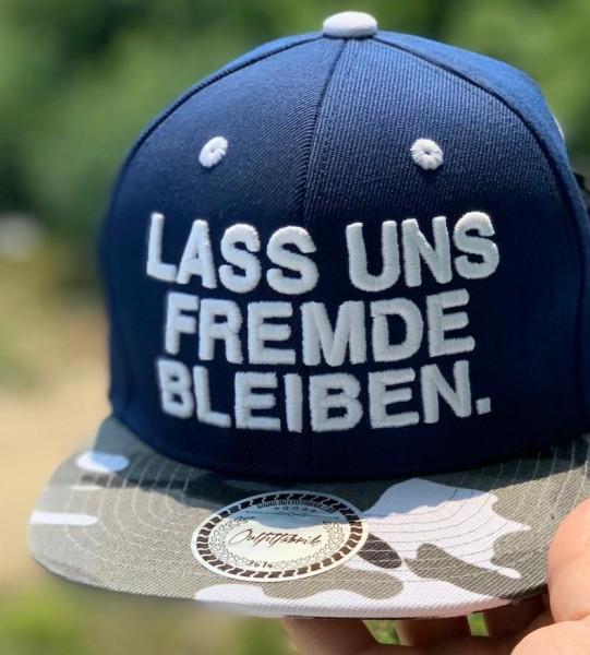 Snapback Cap LASS UNS FREMDE BLEIBEN, blau/camouflage