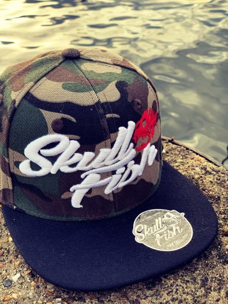 Snapback Cap SKULLFISH, camouflage/schwarz