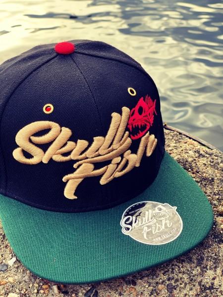 Snapback Cap SKULLFISH, schwarz/grün/rot