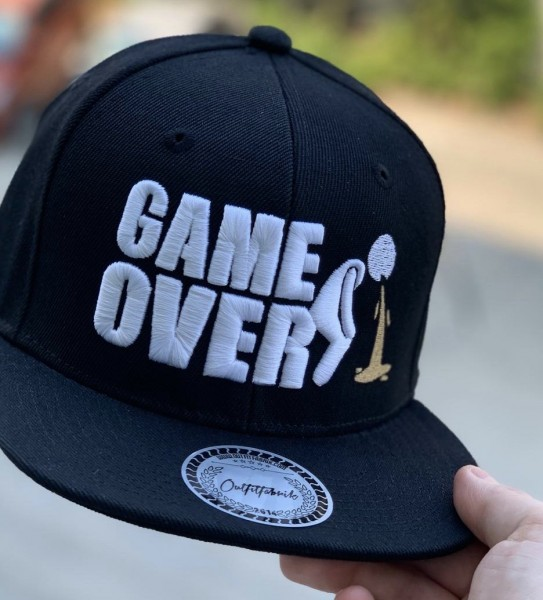 Snapback Cap GAME OVER, schwarz
