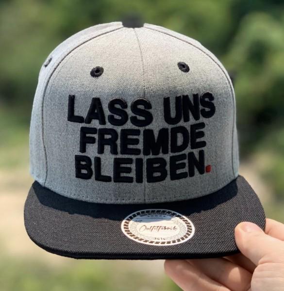 Snapback Cap LASS UNS FREMDE BLEIBEN, schwarz/grau