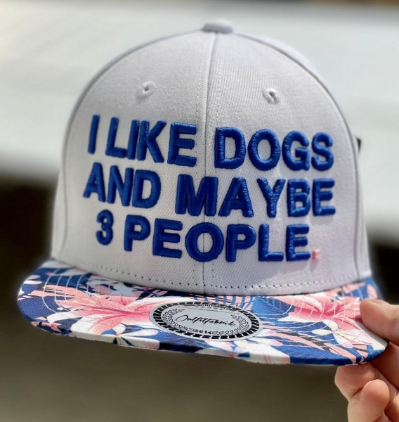 "Cap ""I like dogs and maybe 3 people"", flower"