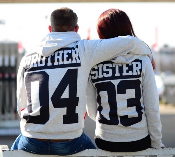 Hoodie, BROTHER oder SISTER, grau